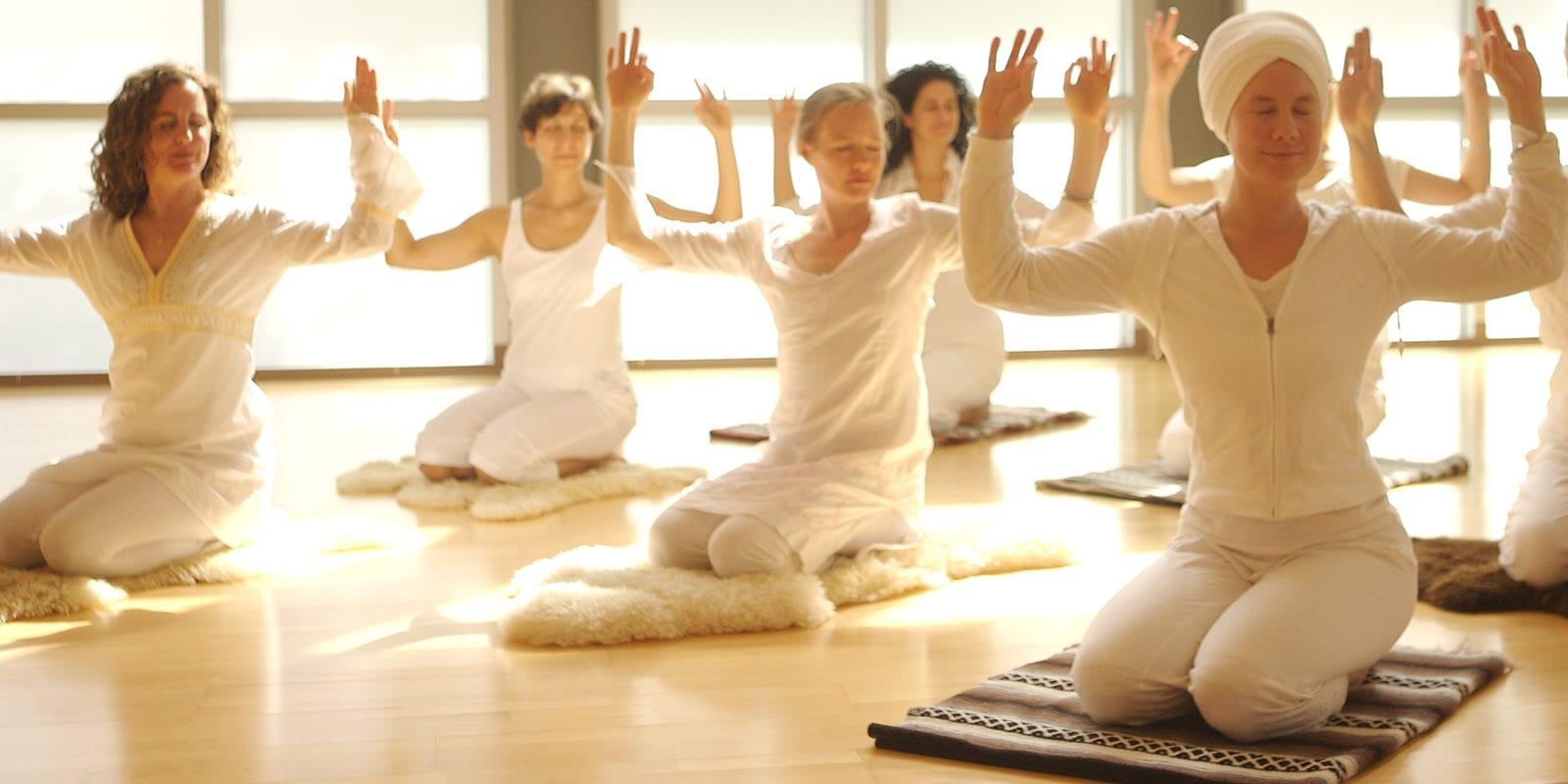 Qué es el kundalini yoga?   Mi Encuentro Conmigo  